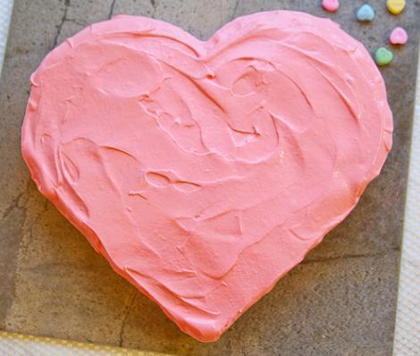 como-hacer-una-tarta-con-forma-de-corazon-4