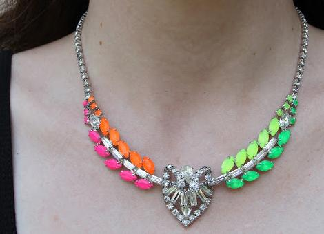 hacer-collares-neon-5