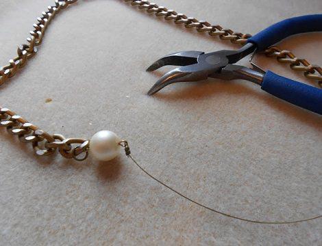 como hacer un collar perlas alambre