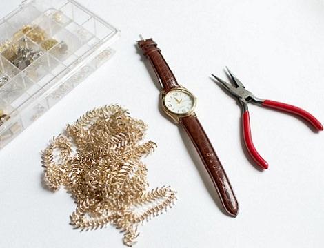 materiales para reciclar un reloj