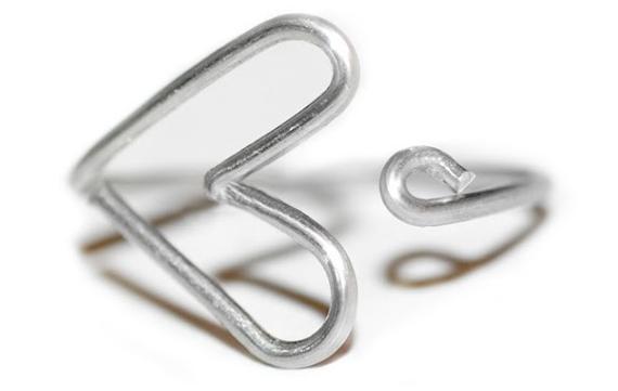 como-hacer-un-anillo-de-alambre-corazon-3