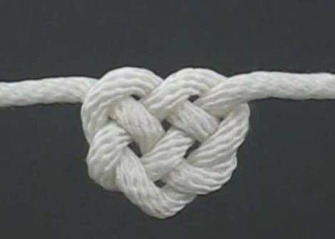 como hacer una pulsera con nudo corazón